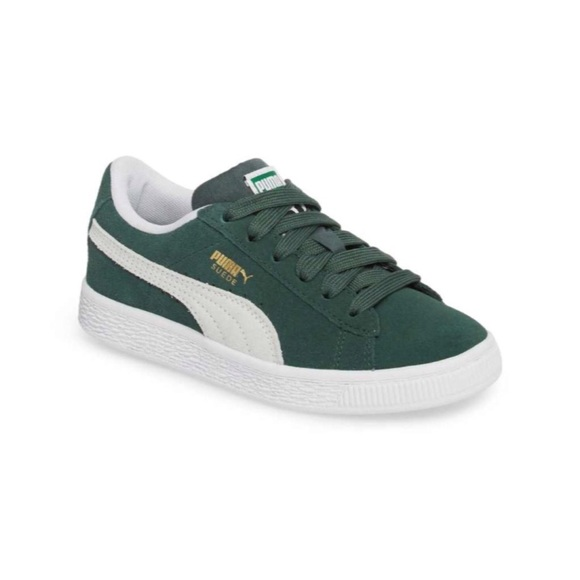 check out 64ccc a4ae5 NWB Puma Green Suede Sneaker Kids